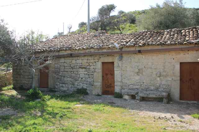 country house for sale in ragusa
